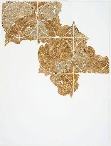 Donna Ruff, United States, Frieze VI, burn and gold leaf on paper, 28 x 21 in (vypaľovanie, perforovanie vzorov)