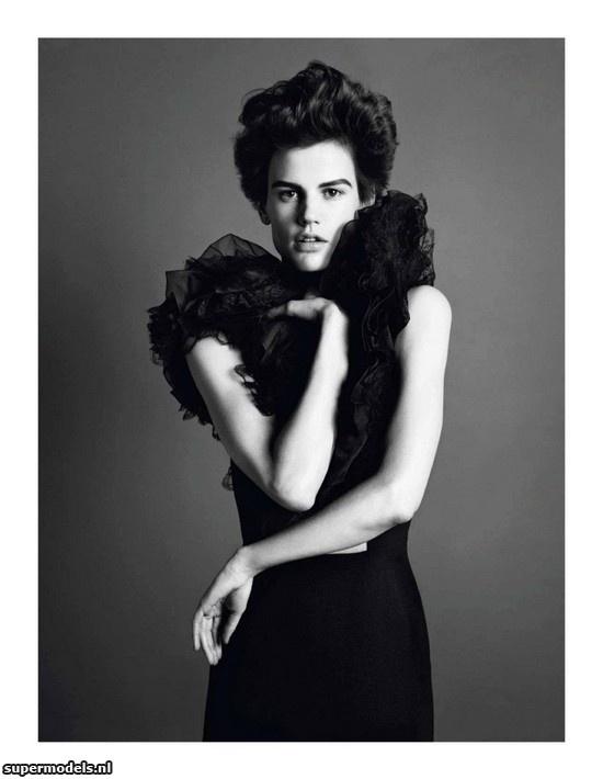 Supermodels.nl Industry News - Saskia de Brauw in 'Nouveau Genre'...