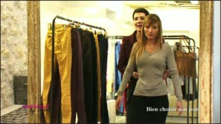 Cristina Cordula donne tous les conseils pour bien choisir son jean, une pièce basique de la garde-robe. Elle explique à Marjolaine les spécificités de chaque coupe et modèle. La styliste livre également quelques astuces pour porter son jean de façon tendance.