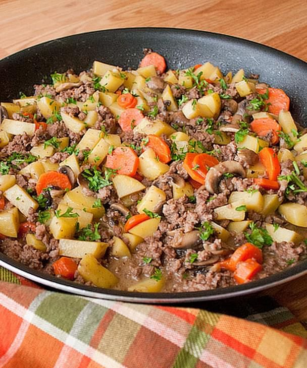 Skillet Ground Beef Stew Recipe Recipe Ground Beef Stew Recipes Ground Beef Stews Stew Recipes