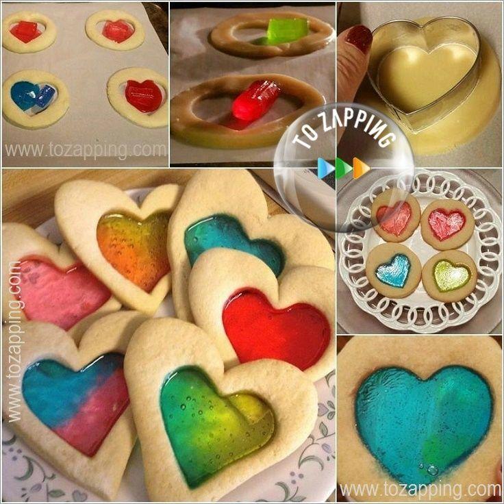 Galletas de corazón con corazón de caramelo.Estas galletas originales son ideales para hacer con los niños y iniciarlos en el mundo de la repostería, veréis