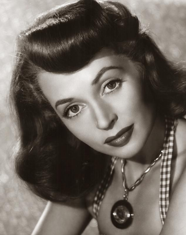 lilli palmer photos | Tracking with Closeups: Lilli Palmer, she was a very fine actress.