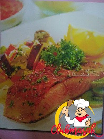 Resep Salmon Panggang Tumis Sayuran, Sajian Keju Krim, Club Masak