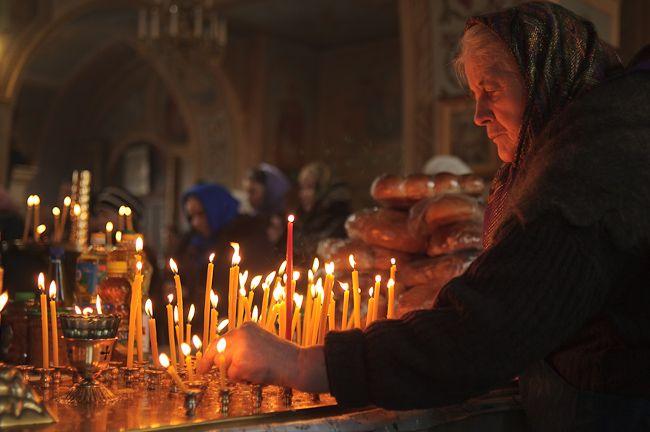 гдепройдут поминальные службы и когда в город прибудет десница Димитрия Солунского Дмитриевская родительская суббота у православных верующих в этом году выпадает на 5 ноября. В этот день принято посещать могилы почивших родственников, приходить на богослуже�