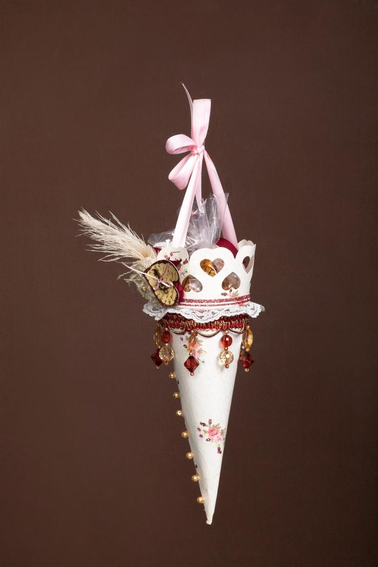 Scrapbook ideas using cricut - Cricut Com Victorian Romance Paper Cone Cut Using Cricut Machine