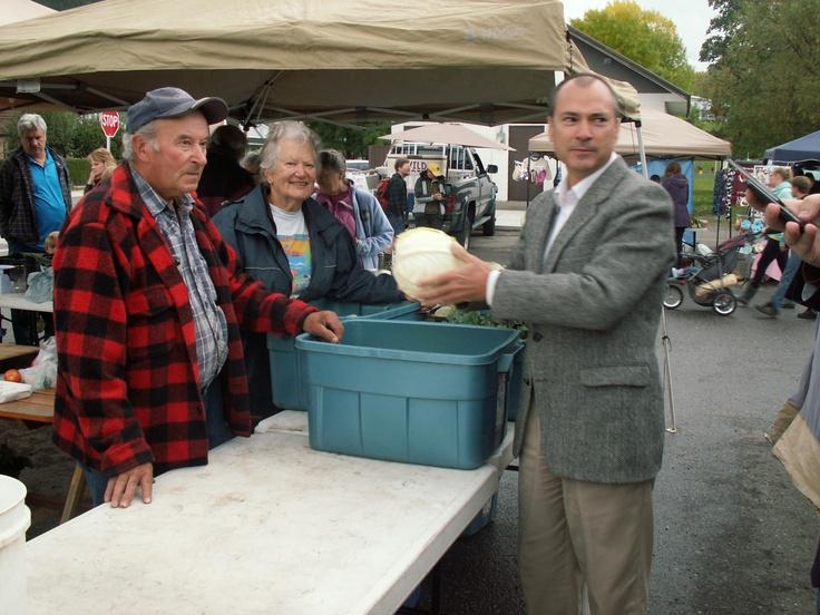 Ann & Deiter with the Minister of Agriculture -- Norm Letnik (2012)