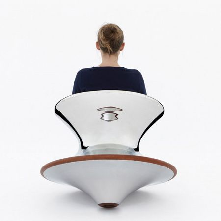 Spun Chair: British designer Thomas Heatherwick  launched a chair shaped like a spinning top made of spun steel and copper.