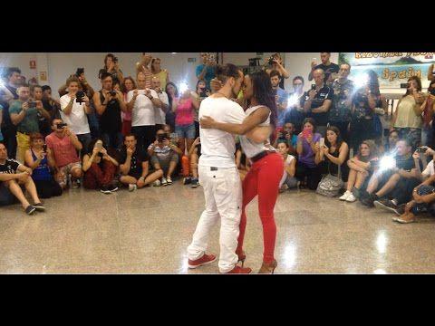 Сексуалние танци чача