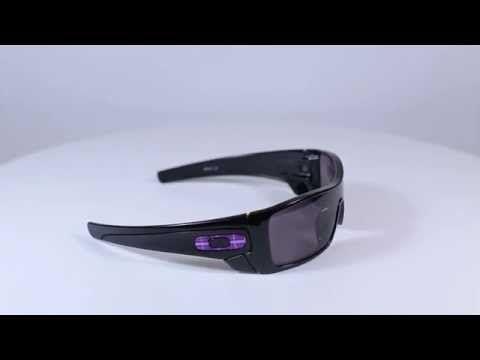 OAKLEY napszemüveg Batwolf Polished Black/ Warm Grey. Az Oakley napszemüvegek arany fokozatot értek el az ANSI Z87.1 törés tesztjén. A lencsék plutonite tartalmának köszönhetően védelmet nyújtanak az alacsony sebességgel haladó nehéz tárgyak és a gyors sebességgel haladó könnyebb tárgyak ellen. Páratlan ütésvédelem és 100% UV szűrés! OLVASS TOVÁBB!