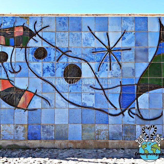 Murales Di Joan Miro A Palma Di Maiorca A Parc De La Mer Oltre A Passeggiare Ammirando La Grandiosita Della Cattedrale Di Maiorca Si Street Art Art Instagram