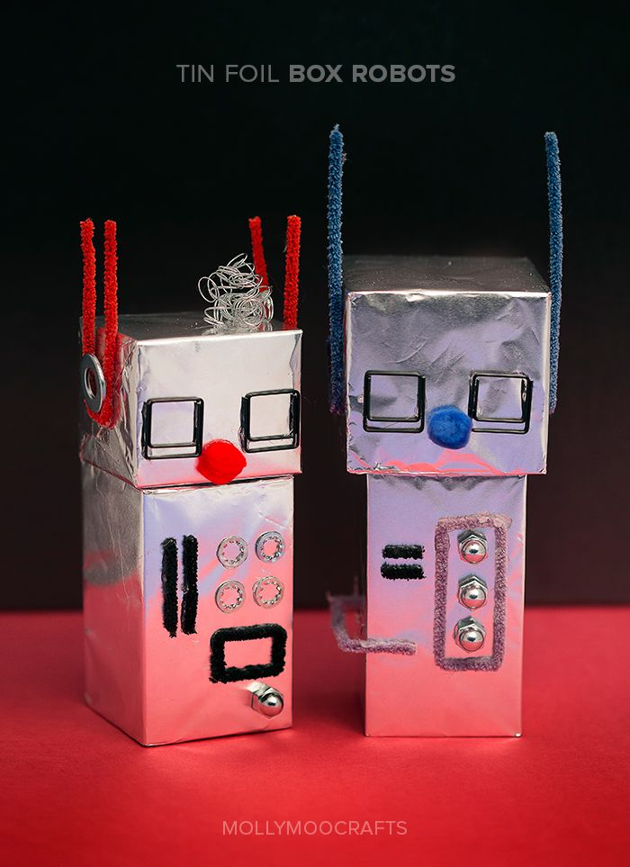 The ongoing challenge in our house is to transform leftover cardboard boxes and the contents of the junk drawer into imaginative crafts for kids that can be enjoyed all year-round. And so we introduce, Aluminum Foil Robots! // MollyMooCrafts.com