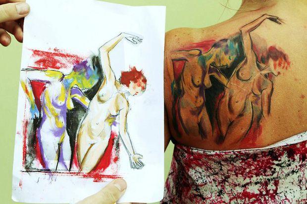 Ondrash é um artista da República Tcheca com um estilo completamente original. As suas tatuagens são cheias de cores e trazem pinceladas que mais parecem aquarelas no corpo.