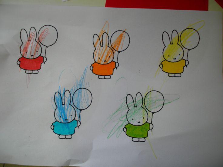 Kleur Nijntjes ballon in dezelfde kleur als zijn trui *liestr*