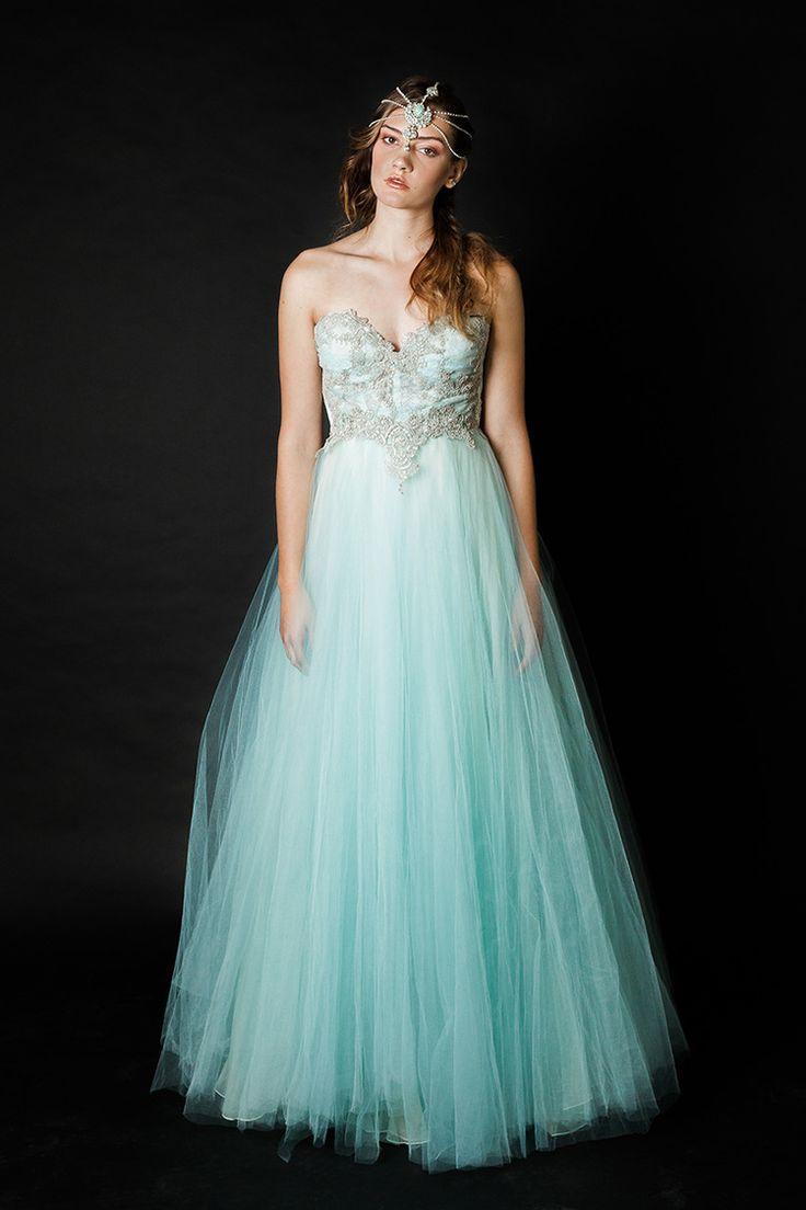 36 best A Gown images on Pinterest   Wedding frocks, Bridal gowns ...
