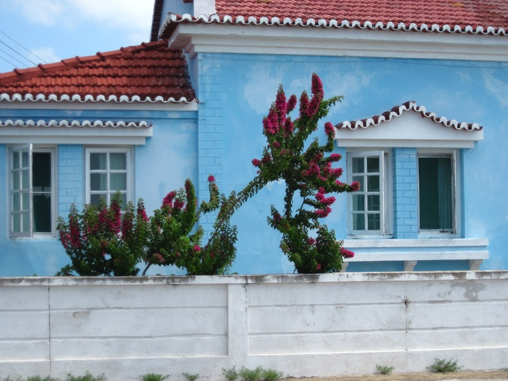 Mozambiquan color. Inhambane