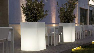 Vierkante verlichte plantenbakken - verlichte plantenbak