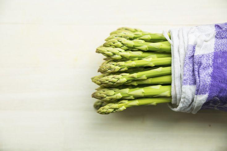 Learn how to prep fresh asparagus for summer recipes!