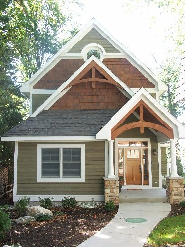 25 best ideas about cottage exterior colors on pinterest for Cedar siding house plans