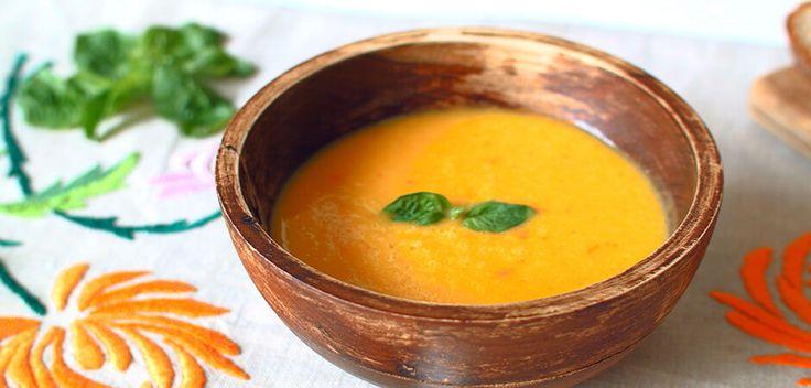 Zupa dyniowa z mleczkiem kokosowym: http://allrecipes.pl/przepis/10351/zupa-dyniowa-z-mleczkiem-kokosowym.aspx