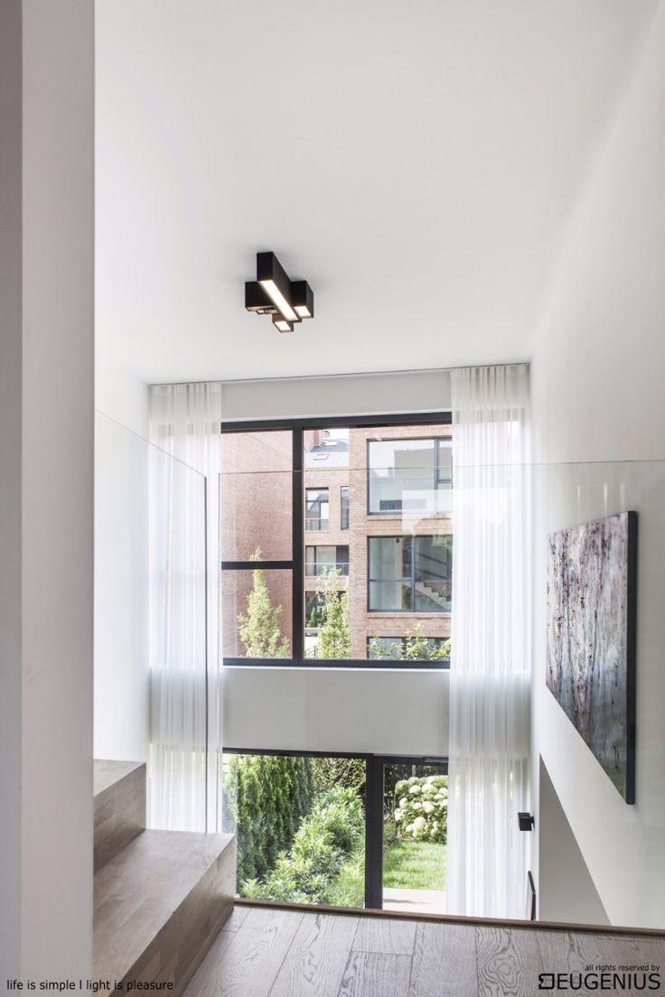warzelnia - inwestycja Nickel Development z wnętrzami upiększonymi lampami EUGENIUS. to jeden z najbardziej prestiżowych adresów Poznania :) kompozycja czarnych lamp na białym suficie pięknie dopełnia wnętrze idealnie dopełnia stylowe wnętrze.