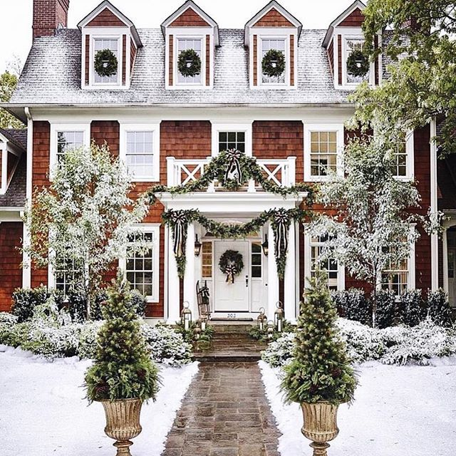 Christmas Decorations For Victorian Homes: 25+ Best Ideas About Colonial Exterior On Pinterest