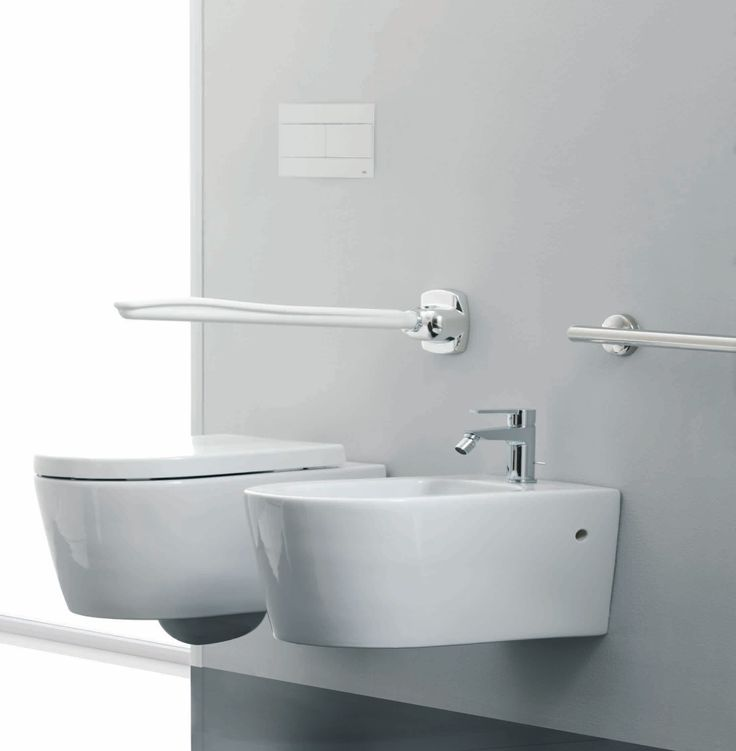 Pi di 25 fantastiche idee su bagno per disabili su - Ponte giulio bagno disabili ...