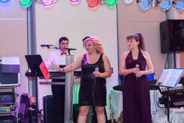 Videoclip Live Nunta Novotel Coveruri 2. Formatia Cryss Band pentru nunti, botezuri, petreceri private si corporate, garantia unui eveniment special.