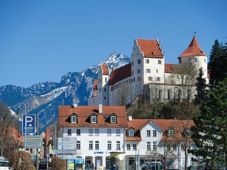 Die Umgebung von #Füssen ist ein #Paradies für #Wanderer, #Radfahrer, #Kletterer und andere aktive Menschen - perfekt also für Jung und Alt!  http://www.hotel-fuessen.de/de/blog/urlaub-in-fuessen.html