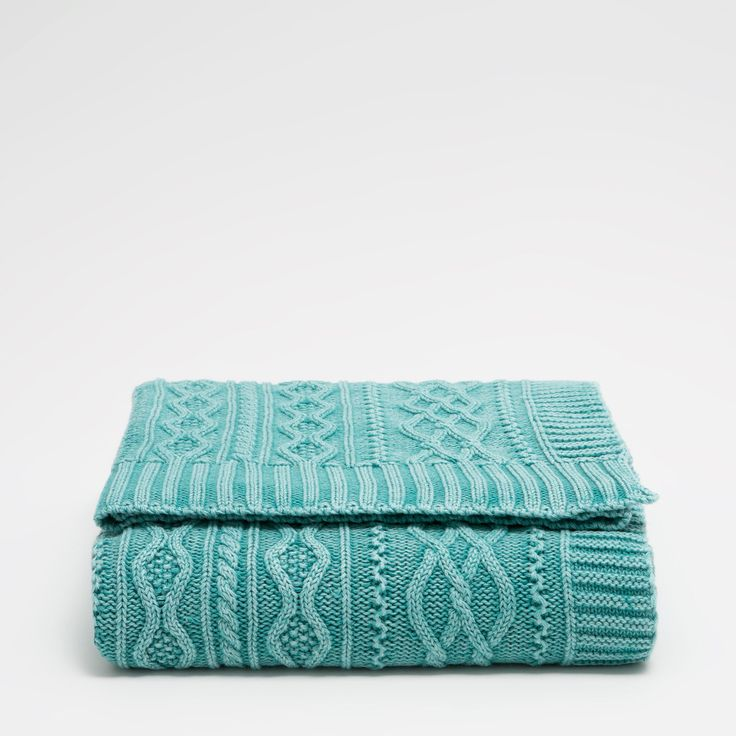 Image 2 of the product AQUA GREEN CABLE-KNIT COTTON BLANKET