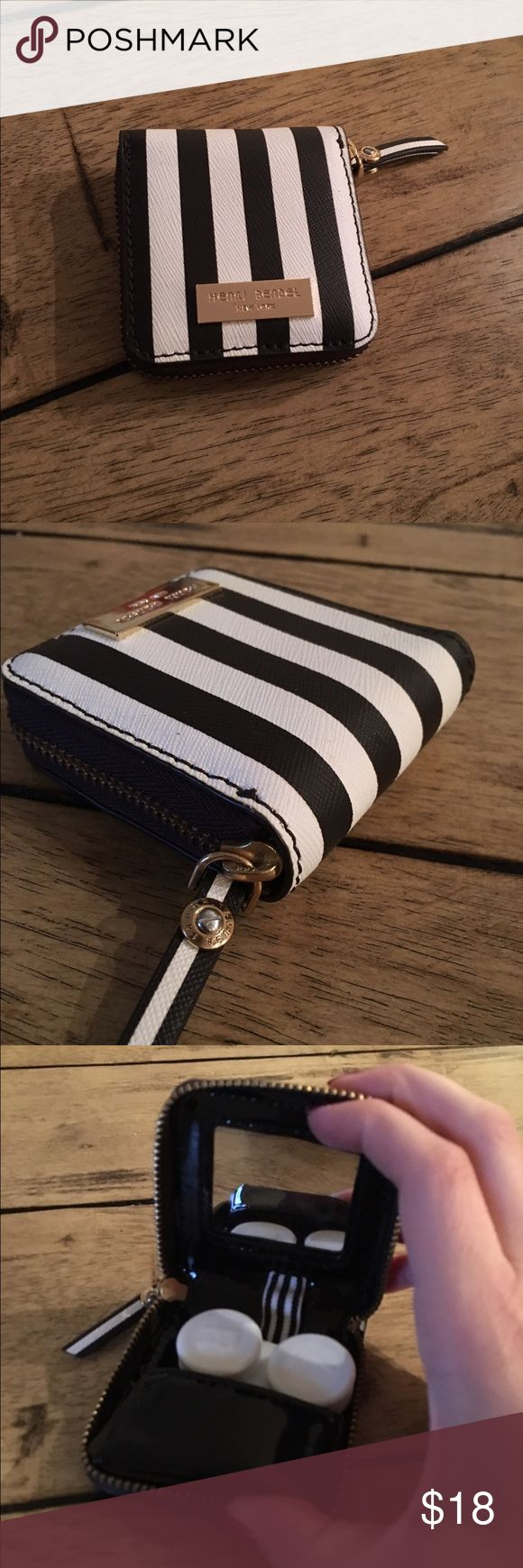 Henri Bendel Contact Lens Case brand new! Brand new, never used - carry your contacts in style! And prevent from losing them :) henri bendel Accessories Glasses