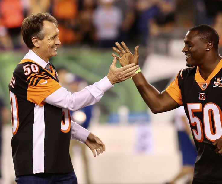 Some of the best hands in the HISTORY of the Cincinnati Bengals met in Week 2, as Cris Collinsworth and Chad Johnson were on-hand to celebrate the Bengals 50th Anniversary.