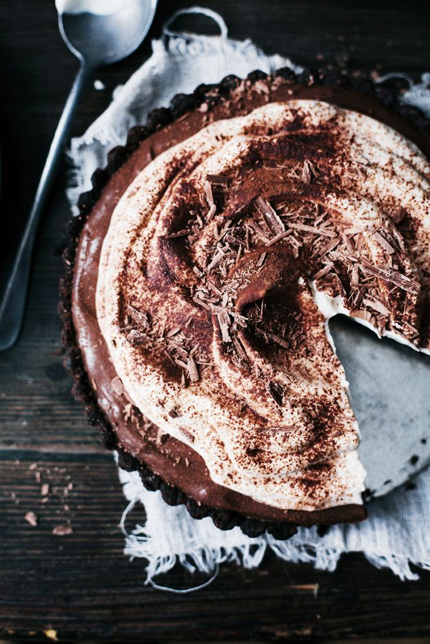 Chocolate cream pie | Linda Lomelino