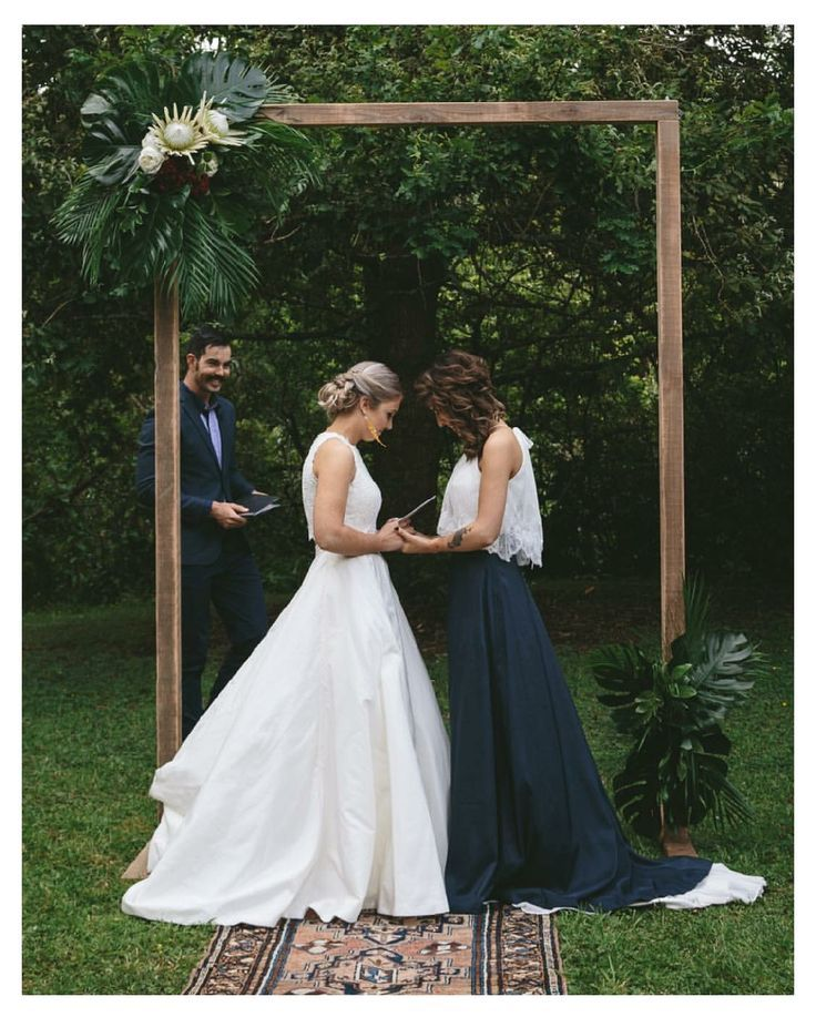 Pin On Trend So Classic Black Gold Wedding