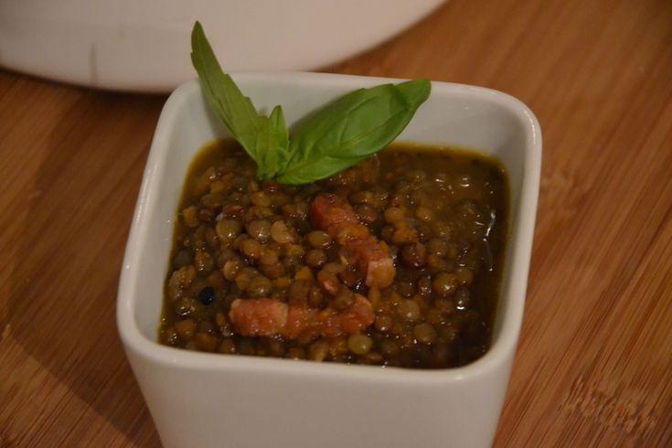 Lentilles mijotées, échalotes, carottes et lardons (MaevaB) - Recette Cuisine Companion