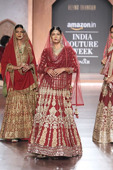 Reynu Taandon. AICW 15'. Indian Couture.