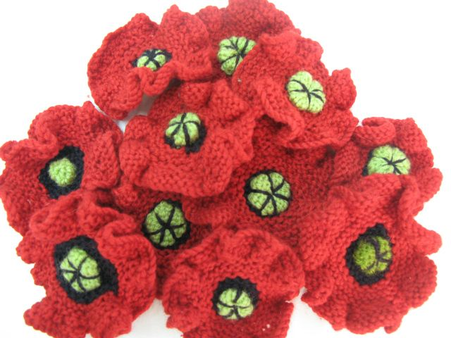 Knitting Pattern For Anzac Day Poppies : 47 best images about ANZAC DAY POPPIES on Pinterest ...