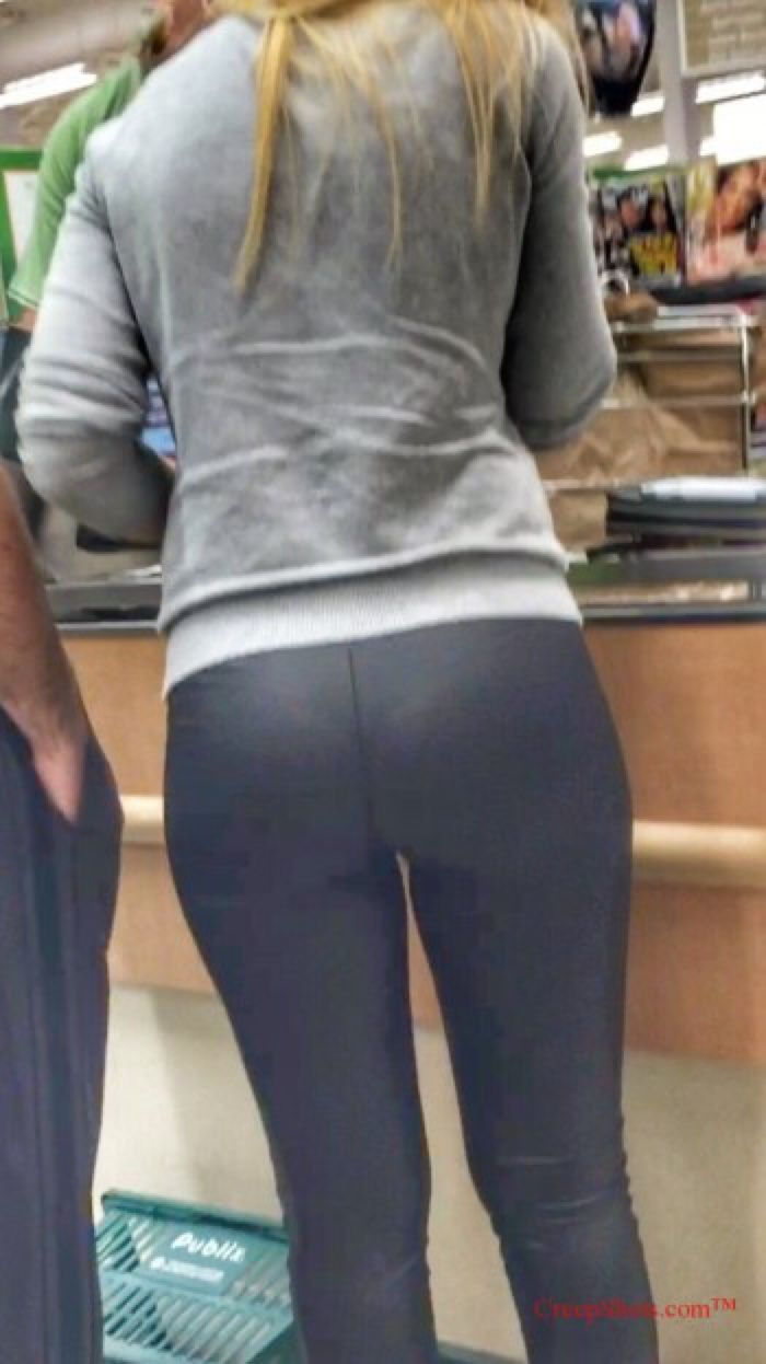 Walmart creep shots huge booty employee - 3 part 2