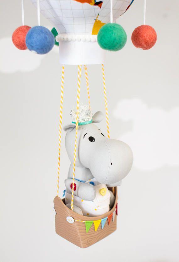 Género neutro aire caliente globo bebé móvil Hippo vivero