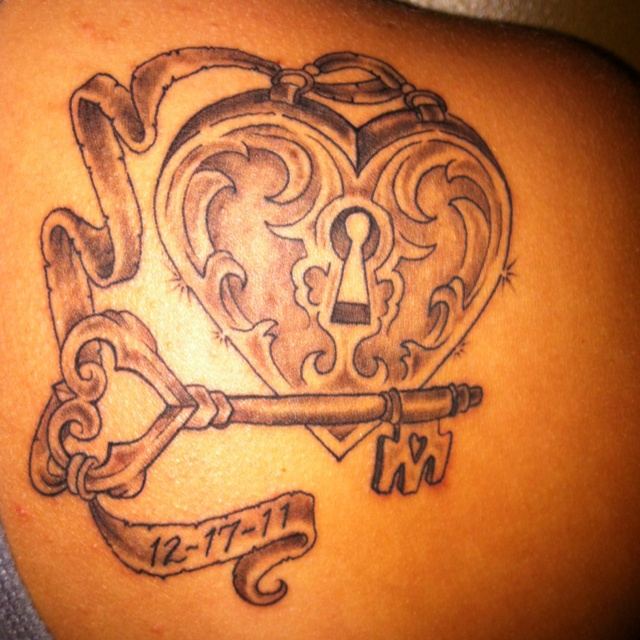 you have my heart forever my tattoo locket and key tattoo tattoos piercings pinterest. Black Bedroom Furniture Sets. Home Design Ideas
