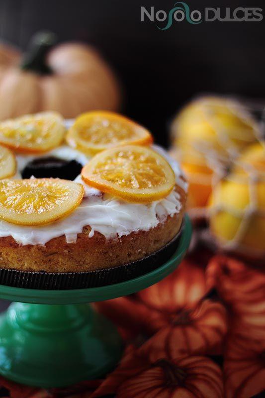 Una perfecta alternativa para un bizcocho vegano. Con calabaza y naranja no necesitamos huevo ni leche para disfrutar de un bizcocho esponjoso y sano.