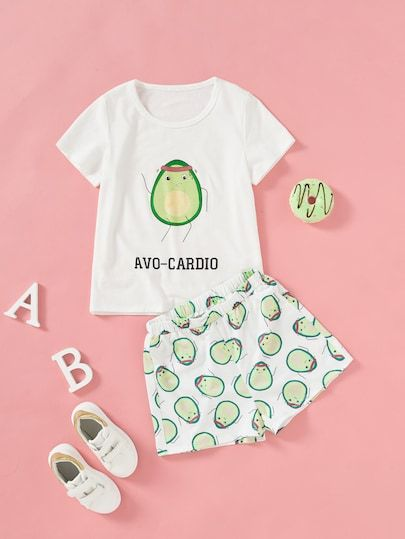 To find out about the Girls Cartoon Print Top & Shorts Set at SHEIN, part of our latest Girls Two-piece Outfits ready to shop online today! Cute Pajama Sets, Cute Pajamas, Cute Avocado, Kids Hair Accessories, Kawaii Clothes, Two Piece Outfit, Summer Kids, Girl Cartoon, Printed Tees