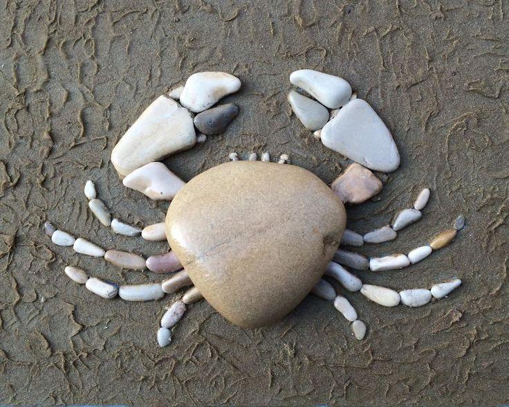 Stefano Furlani usa pedras e a areia da praia para criar seus retratos - Foto: Stefano Furlani