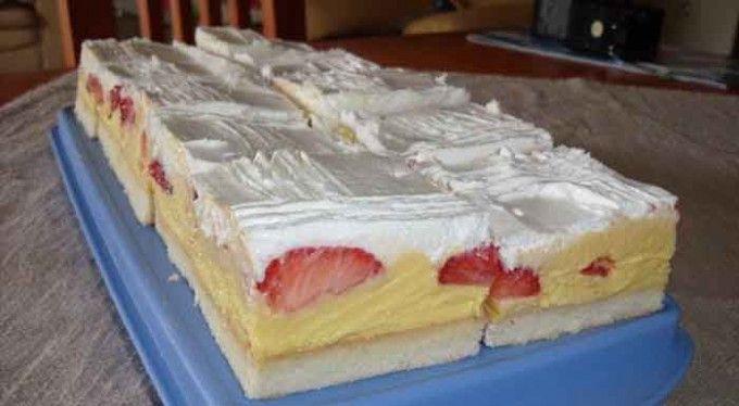 Krémová ovocná rozkoš na talířku Suroviny  Těsto: 8 ksbílku 8 lžickr. cukr 8 lžicpolohrubá mouka 200 mlteplé mléko Krém: 8 ksžloutku 8 lžicmoučkový cukr 5 lžichladká mouka 500 mlmléka 2 bal.vanilkový cukr 250 gmáslo 500 gjahody (nebo jiné ovoce) 3 bal.smetana ke šlehání