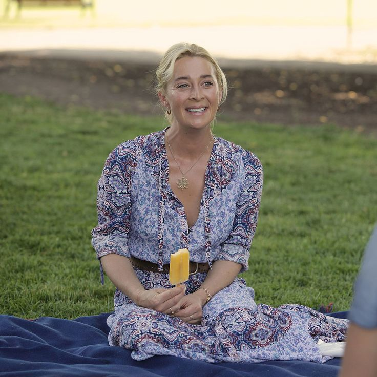 Offspring - Nina Proudman (Asher Keddie)