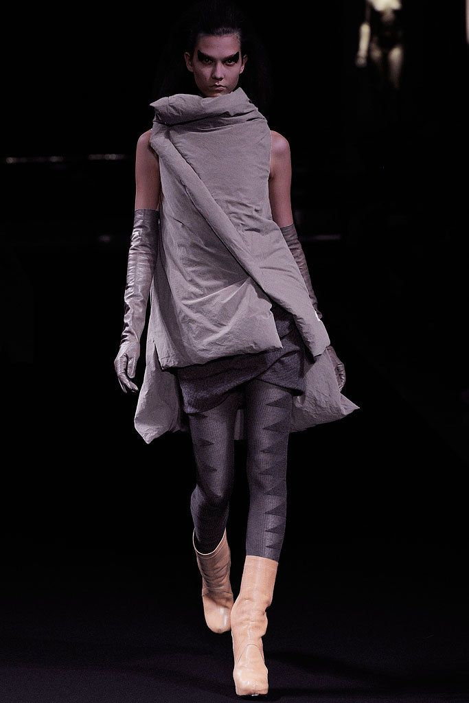 Rick Owens Fall 2010 Ready-to-Wear Fashion Show - Karlie Kloss (IMG)