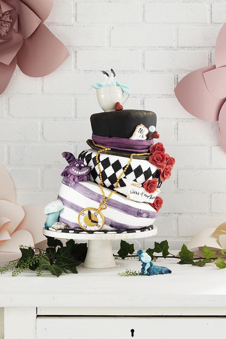 Wonderland cake www.pandurohobby.com Sweets by Panduro  #sweets #DIY #rose #candy #cake #purple #rosor #lila #tårta #tårtor #alice #wonderland #underlandet #madhatter #hatt #hat
