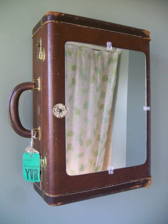 Fun idea - Rustic Vintage Suitcase Vanity