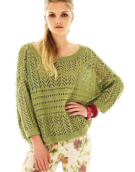 Летний объемный пуловер ажурным узором
