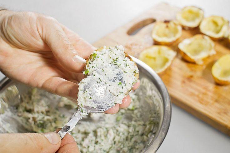 Картофель, запеченный в мундире, пошаговый рецепт с фотографиями – основные блюда. «Афиша-Еда»