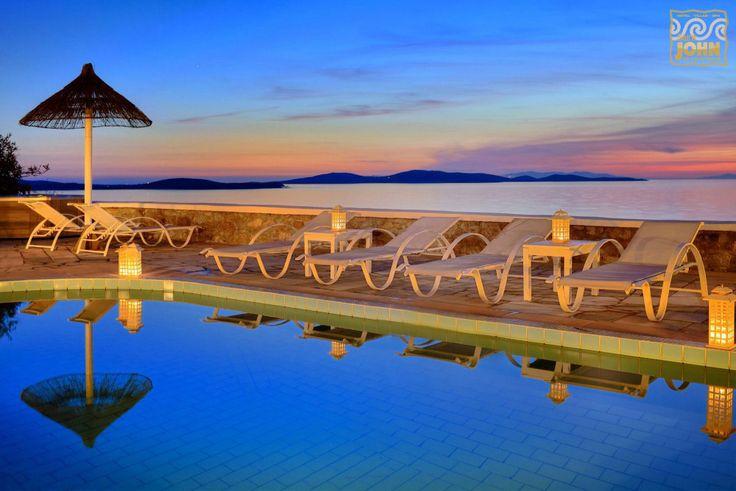 Relaxation, the Mykonian way…!!! #pool #moments #Mykonos More at saintjohn.gr/saint_john_photosEN/